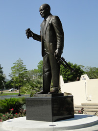 Louie Armstrong statue